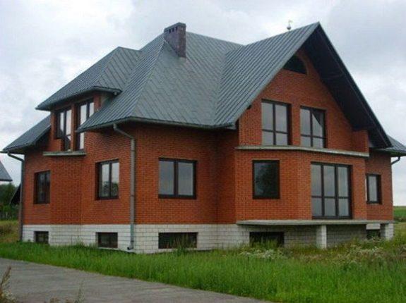 Обычные деревянные окна для дачи